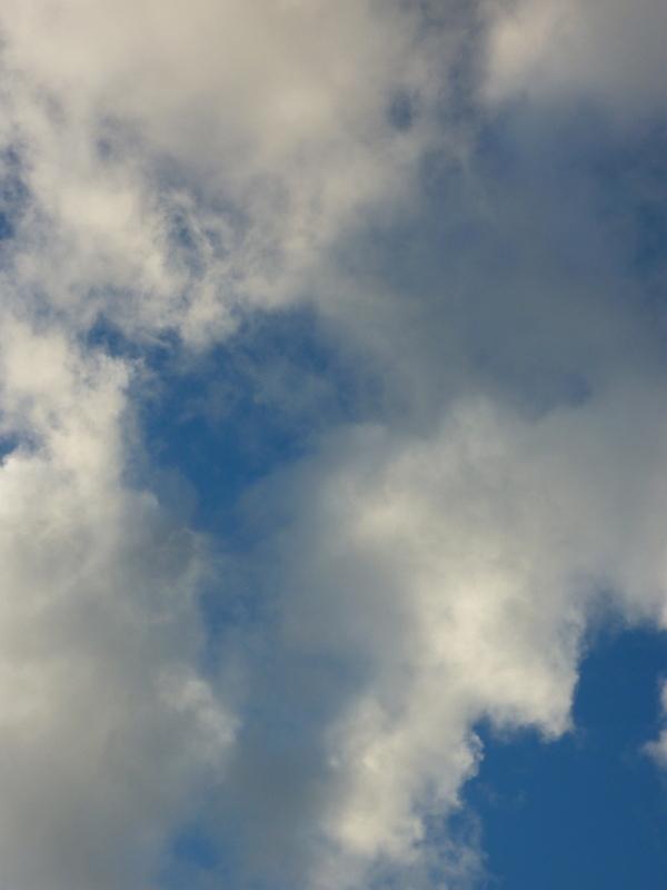 naissaient des nuages à grande vitesse