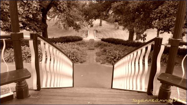 sepia,stairs,garden,Canterbury,rotunda