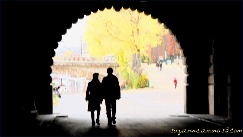 image, silhouette, couple, tunnel, walking, light,