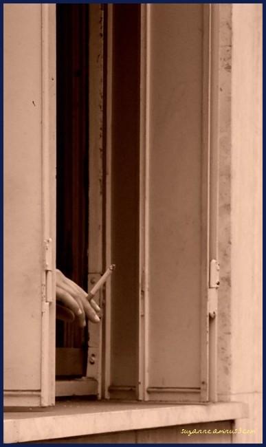 image, sepia, hand, cigarette, window, paris