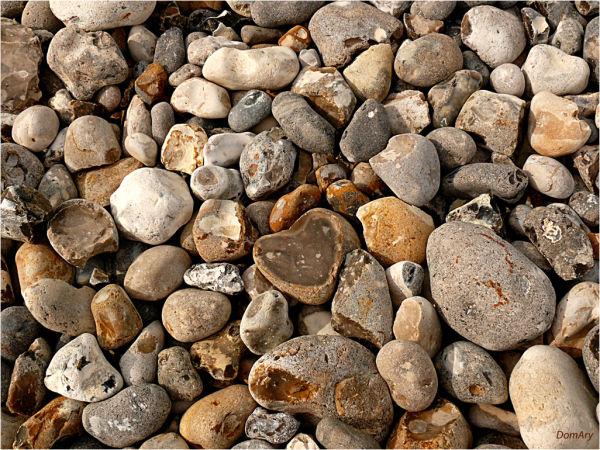 parfois le coeur est de pierre...