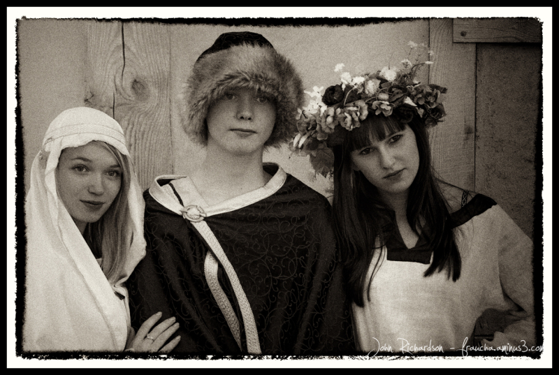A beady eyed lord and some ladies...
