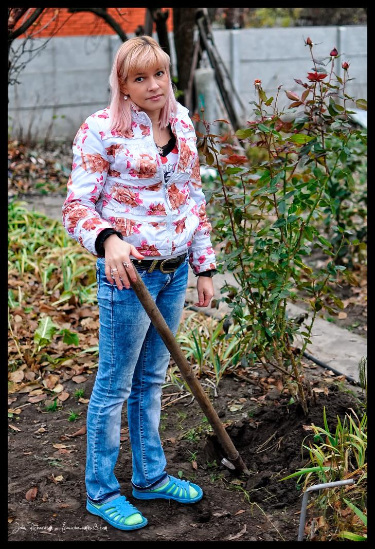 Lora Digging A Hole
