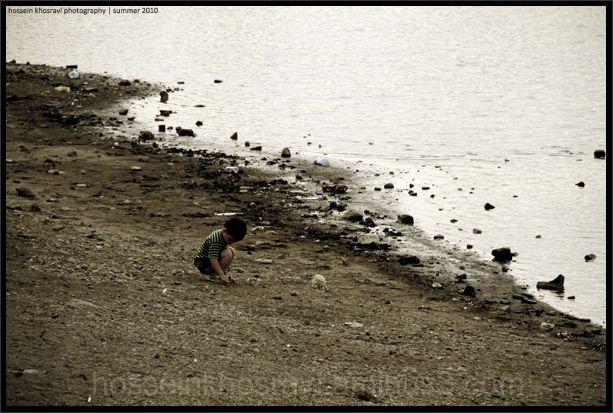 hossein khosravi kid playing
