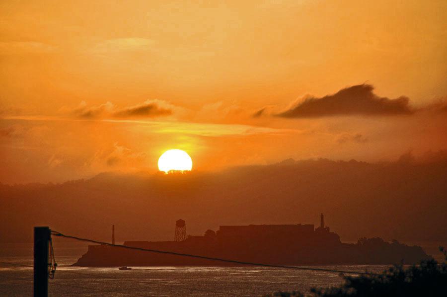 Sunrise from Marina Golden Gate Birdge