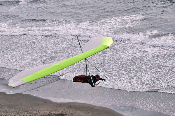 Glider around beach