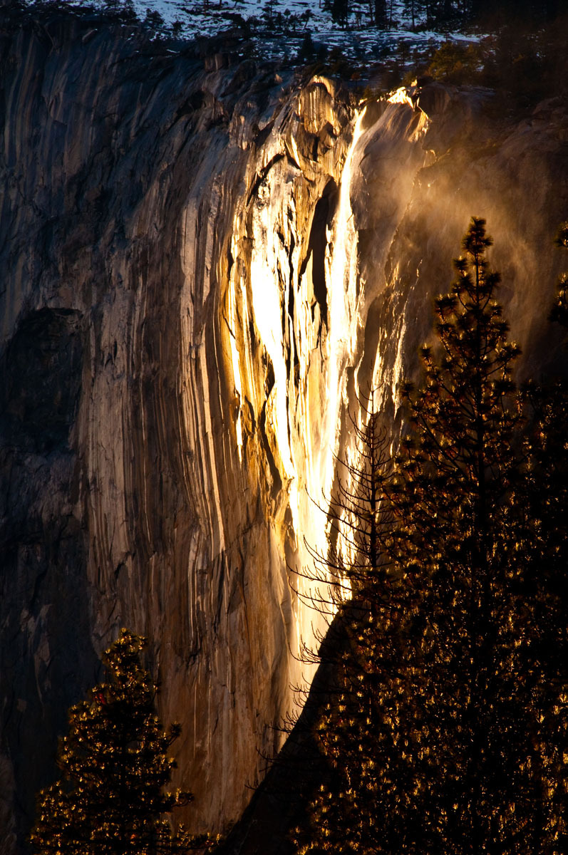 """ Fire Fall "" scene at yosemite yesterday"