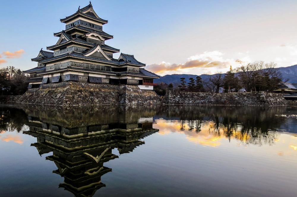 Dawn, Matsumoto-Marunouchi, Japan
