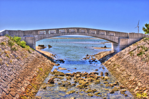A small bridge along the ocean walking path.