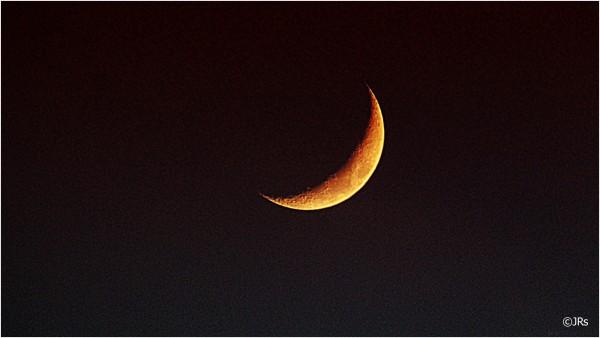 Shooting the moon.