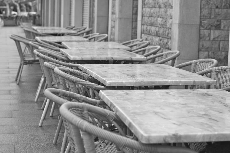empty tables in autum