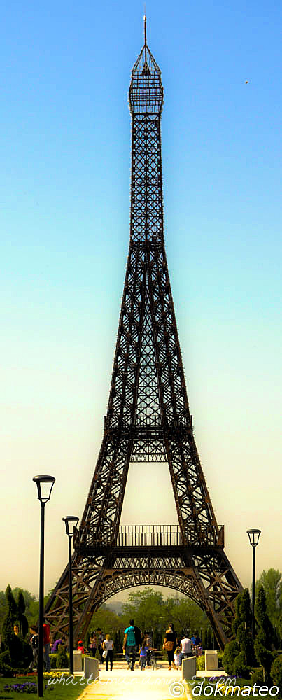 Eiffel Tower no.1
