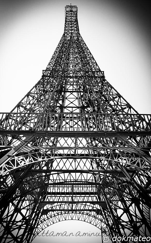 Eiffel Tower no.2