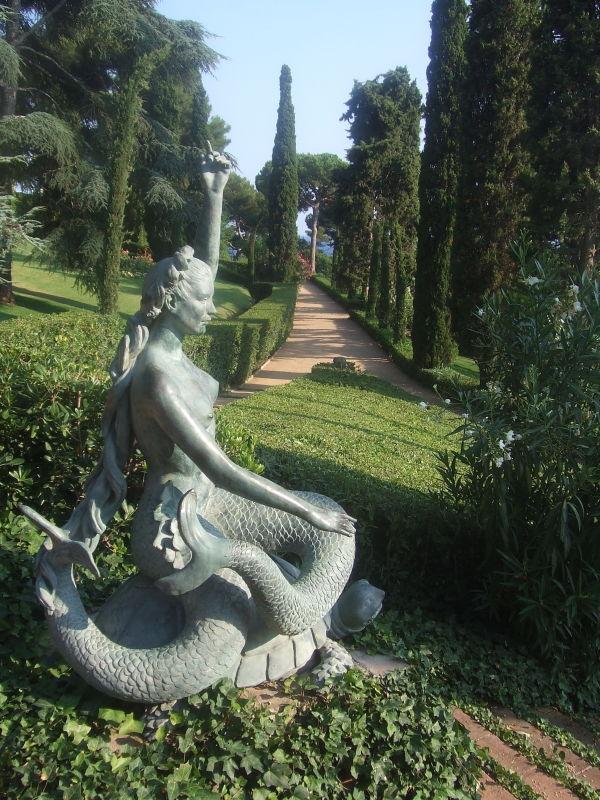 sirena al jardi