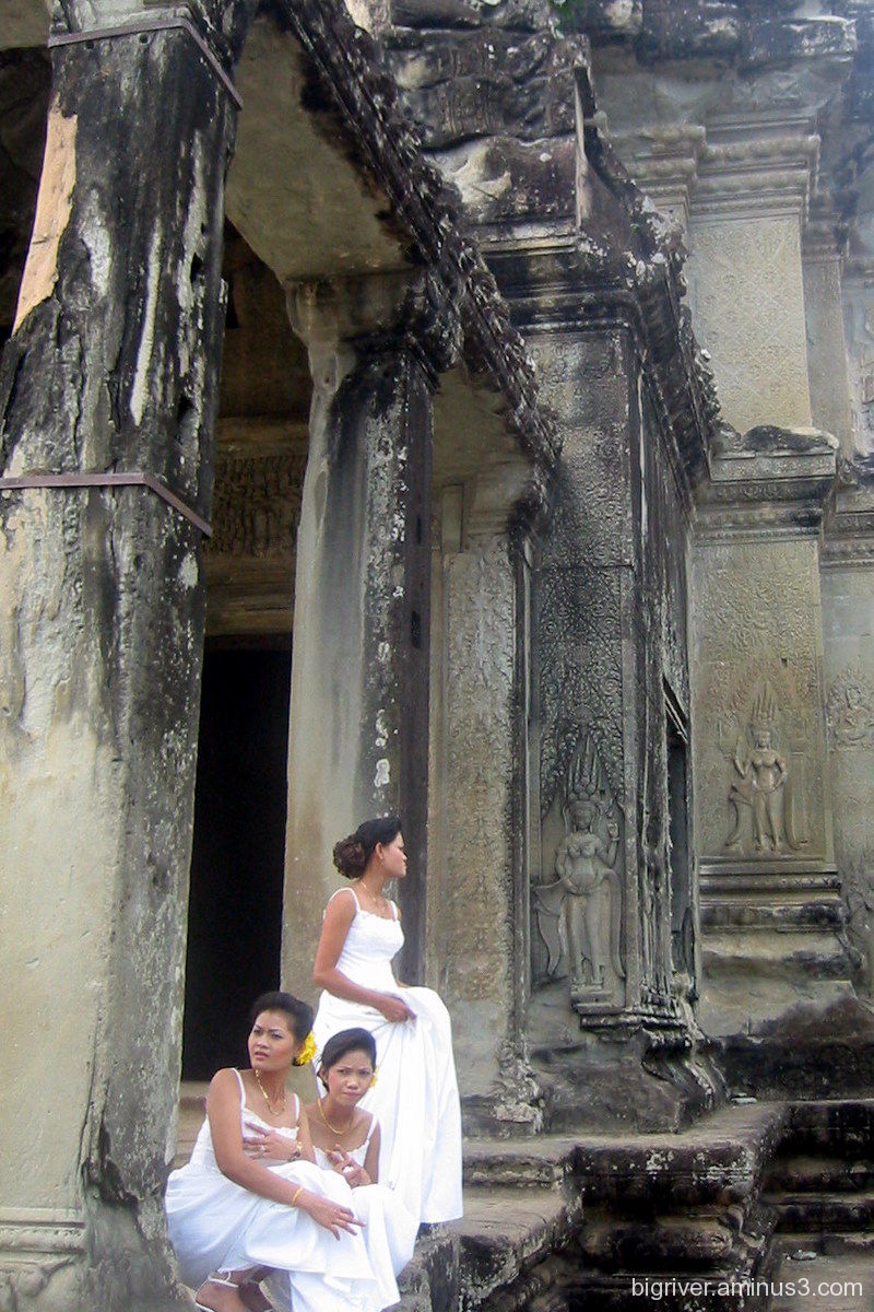 A wedding in Angkor
