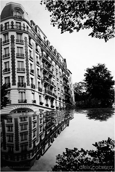 Reflection of a building at Paris
