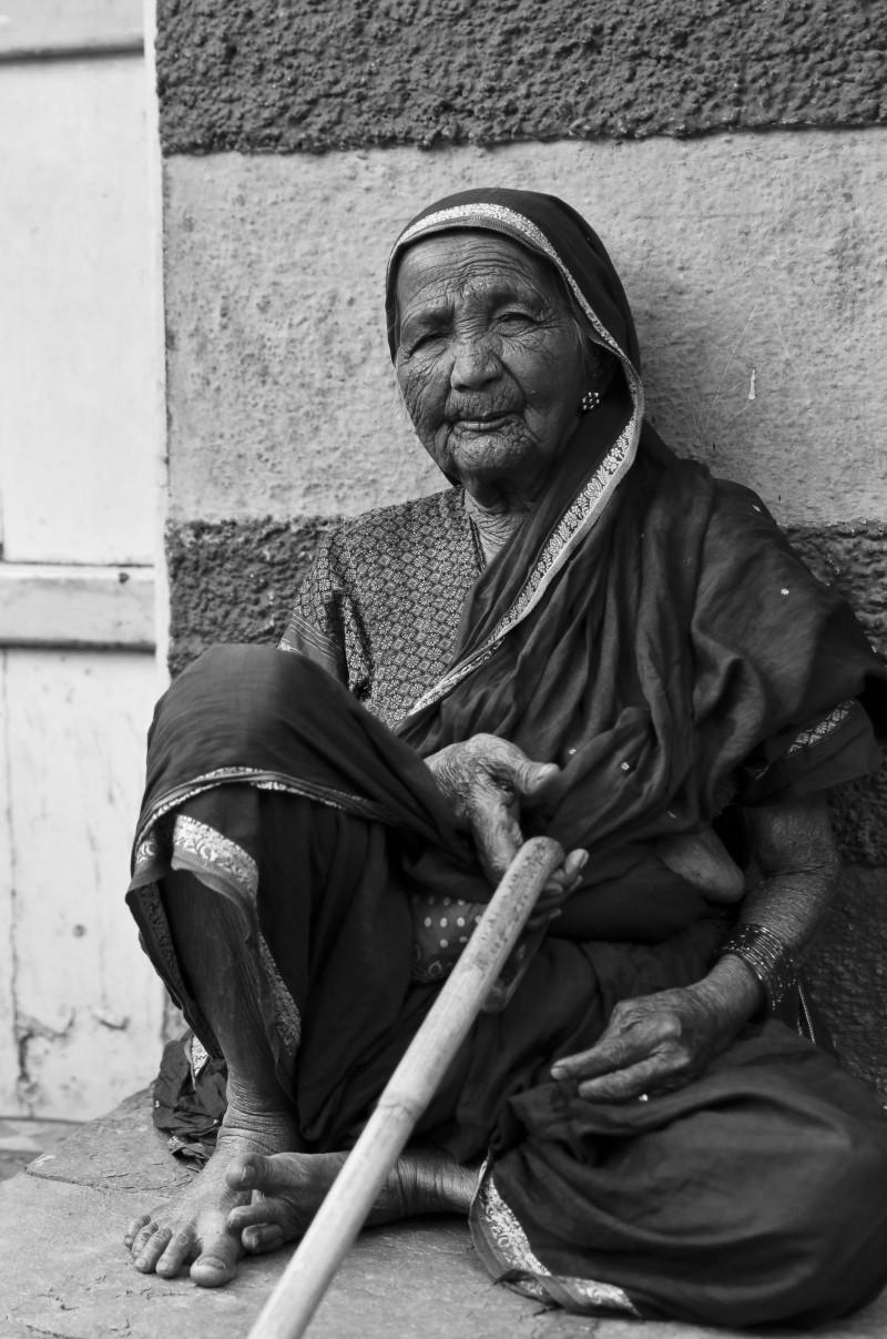 Old woman in kumbharwada