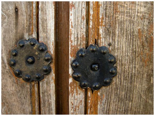 Puerta añeja número diezmil