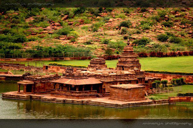 Bhutanatha temples facing the Agasythya Tank