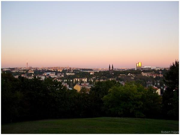 Večerní Praha.