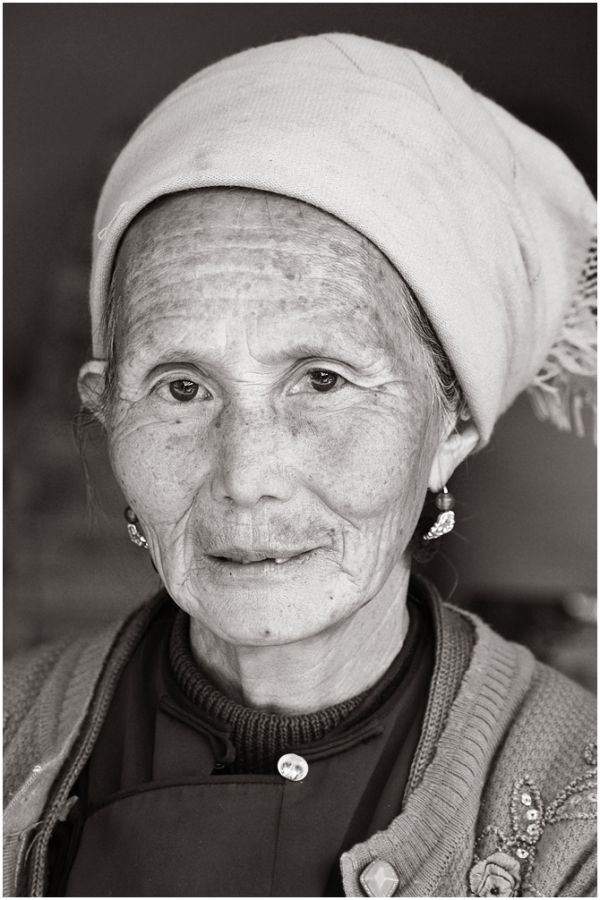 【OLD WOMAN】