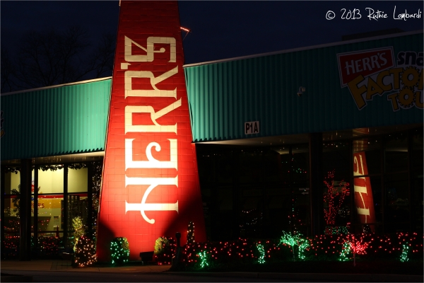 herr's factory christmas light display