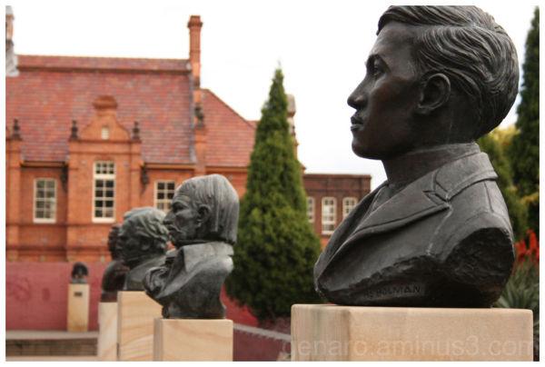 Jose Rizal's Bust near Sydney's Central station