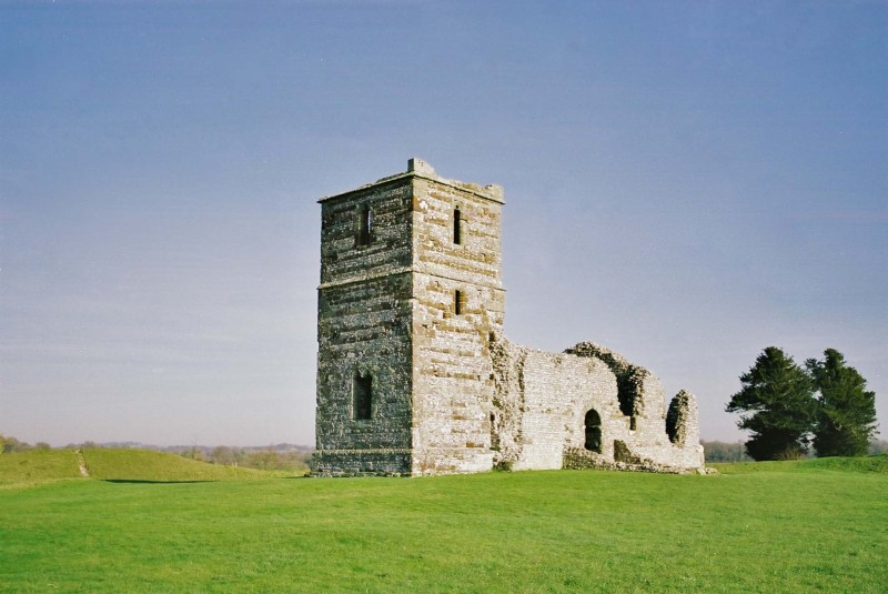 Knowlton Norman church in neolithic henge circle