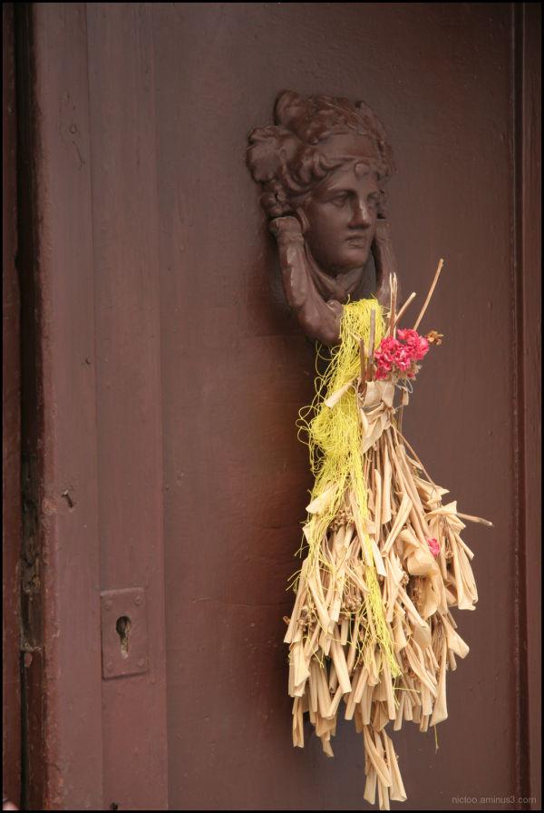 Une belle porte à Rhodes