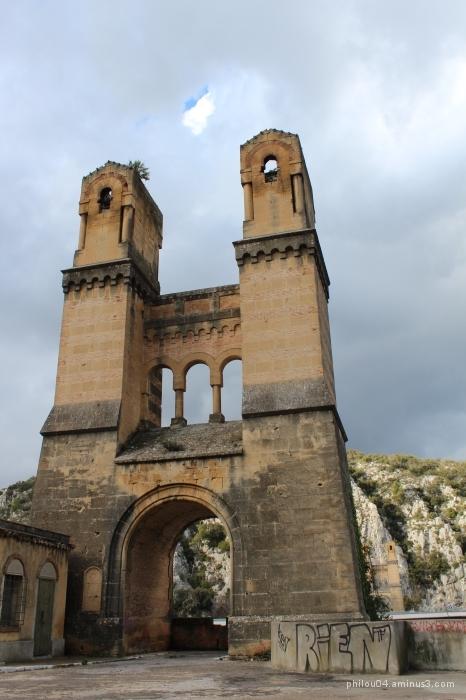 Pont Mirabeau - Les piles