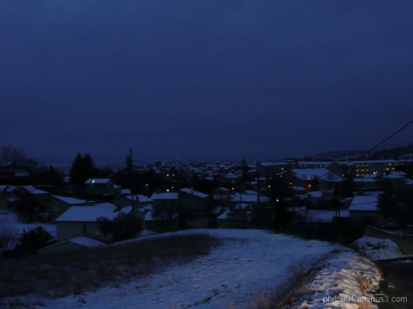 Manosque by night