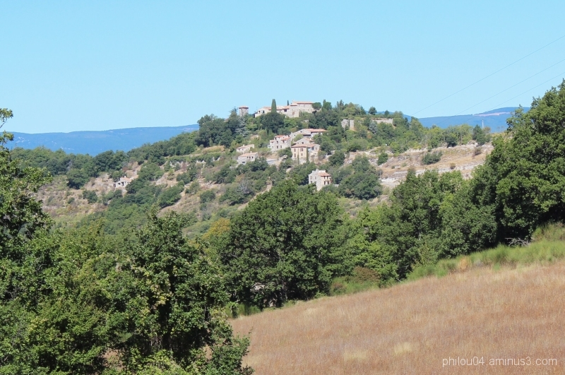 Montjustin (1) - Le village