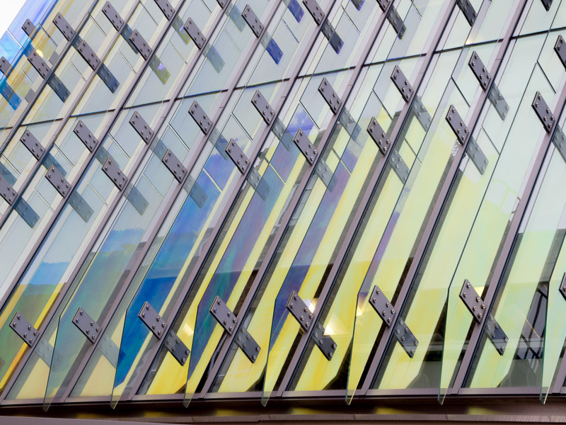 Multi-coloured glazing