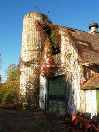 Aging barn in fall