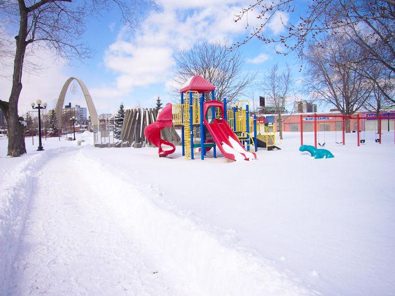 Toronto, Winter, snow, playground, sky