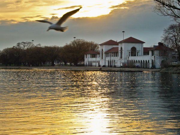 "Toronto ""Lake Ontario"" Sunnyside sunset"
