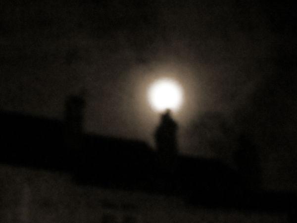 Reading moon