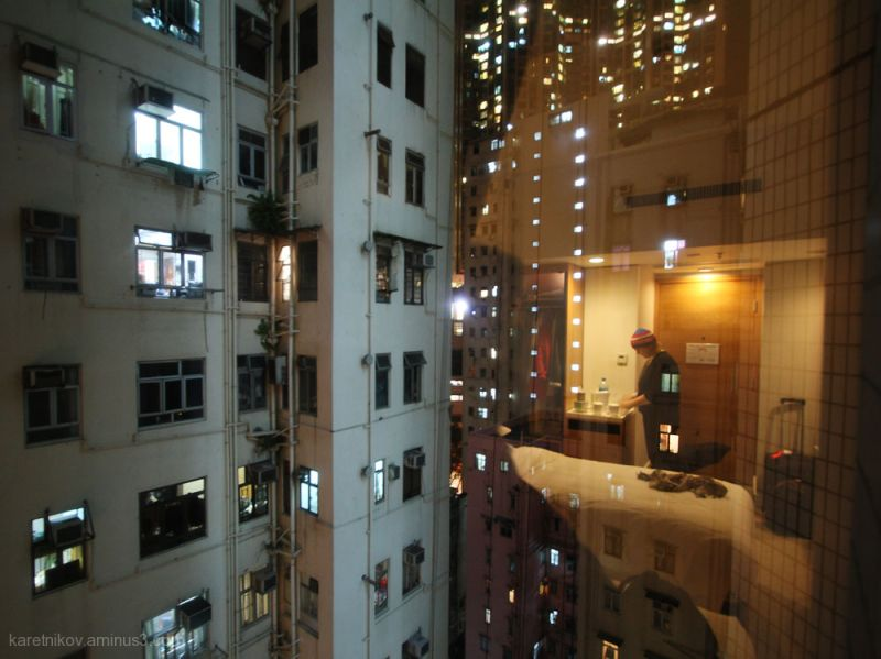 First night in Hong Kong (Hommage to Hugo Poon)