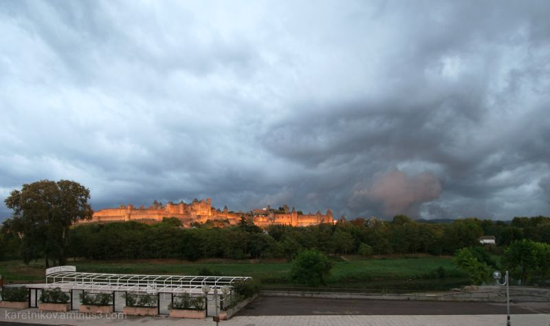 The storm at Carcassonne