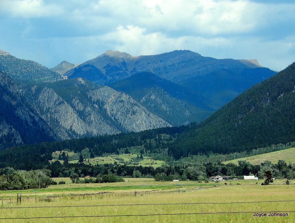 Rocky Mountains  (Absarokees)