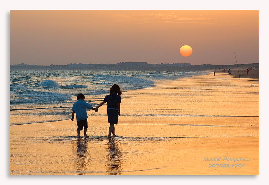 Un paseo hacia la puesta de sol