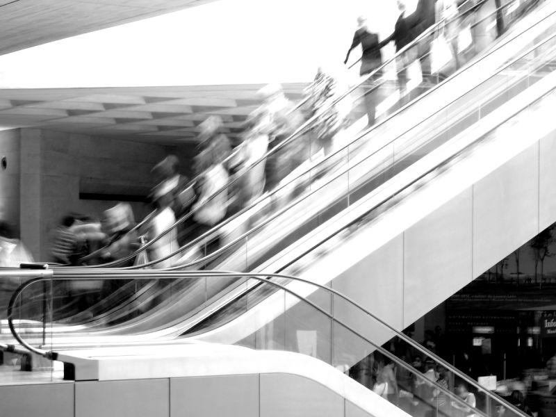 louvre paris escalier escalator