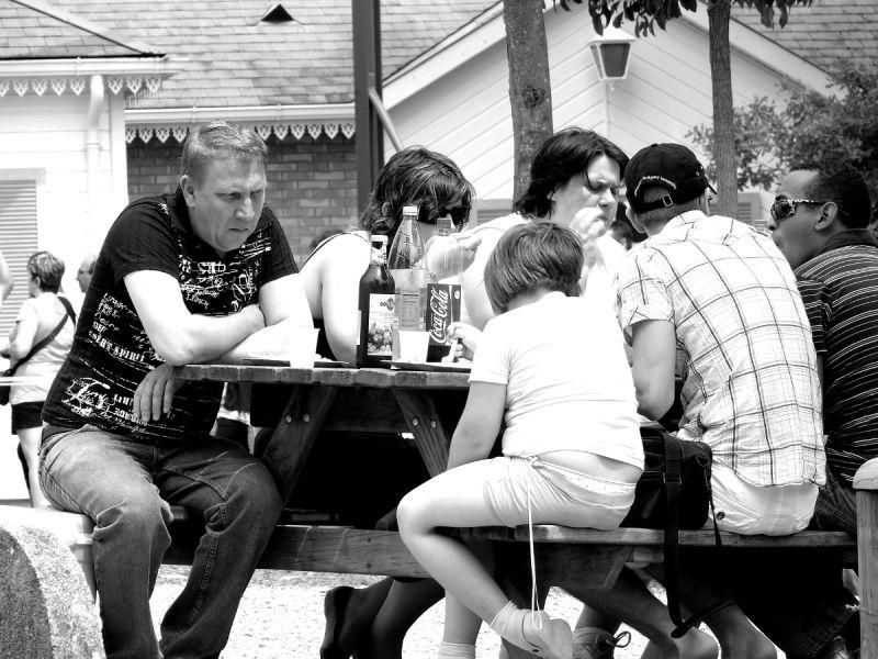 famille homme le pal zoo repas