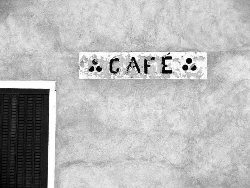 lettres café abandon enseigne volet