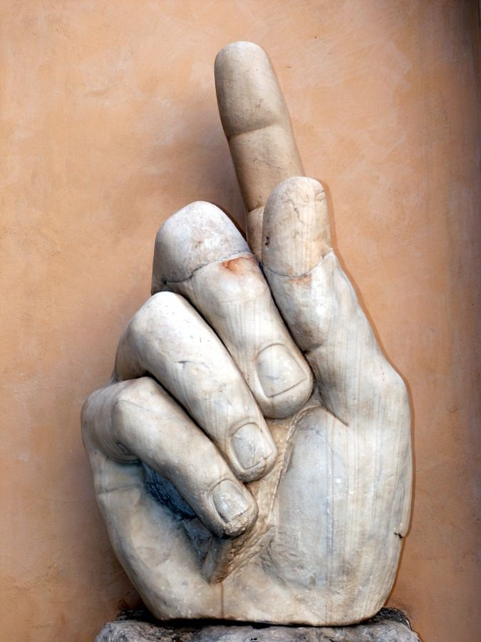 rome italie contantin doigt musée capitole