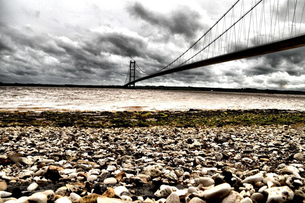Hull bridge