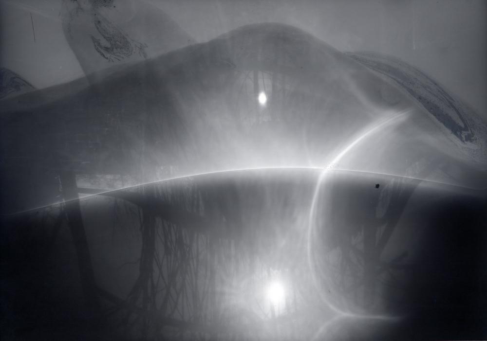 home-made pinhole camera, ILFORD paper negativ