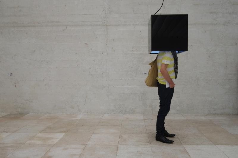 La tête dans le cube - Art & Design Photos - Eric Laforgue Photoblog