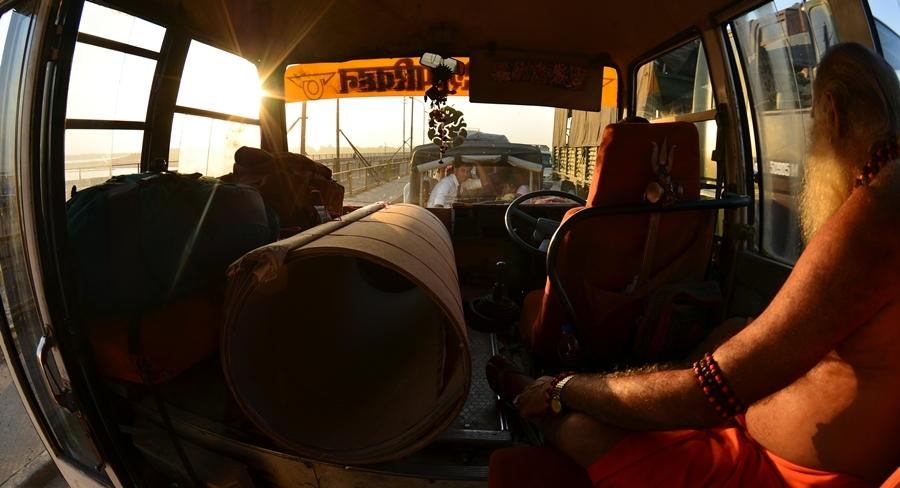 Allahabad Bus