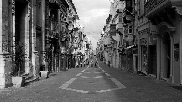 merchant street, valletta